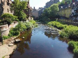 vatten från Leith River i Dean Village i Edinburgh foto