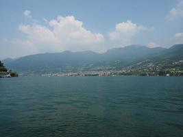 utsikt över sjön iseo foto