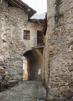utsikt över settimo vittone gamla stadskärnan foto