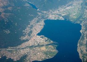 flygfoto över locarno foto