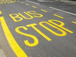 busshållplats tecken foto