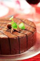 chokladglaserad tårta foto