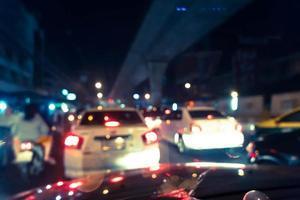 suddig trafikstockning vid rusningstid, skjuten inifrån bilen foto