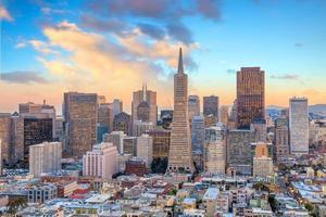 vacker utsikt över affärscenter i centrala San Francisco foto