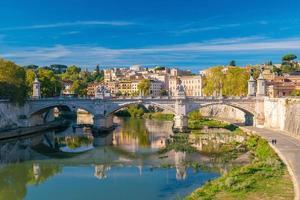 gamla stadsdelen romans skyline i Italien foto