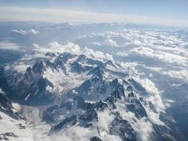 flygfoto över alperna foto