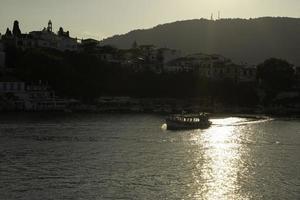 Skiathos stad, Skiathos ö, sporader, Egeiska havet, Grekland. foto