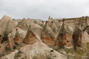 fe skorstenar i Kappadokien, Turkiet, fe skorstenar landskap foto
