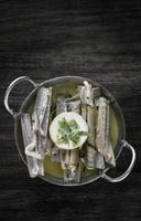 navajas rakhyppelmusslor tapas sauterade med vitlökssmör vitvinssås i Santiago de Compostela Spanien foto