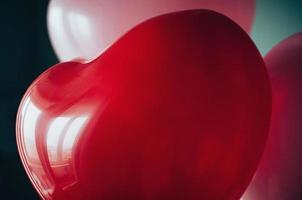 tappning röd rosa kärlek ballonger närbild foto