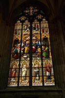 Köln, Tyskland 2017- glasmålningar i Peterskatedralen foto