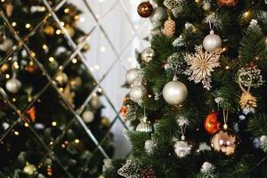 julpynt, julgran, presenter, nyår foto