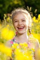 charmig liten flicka foto