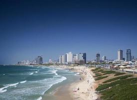 stadsstrandsdistrikt och silhuettvy över Tel Aviv Israel foto
