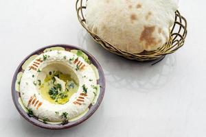 mellanöstern hummus kikärtsdopp meze mezze förrätt mellanmål mat foto