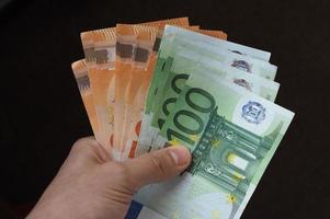 hand med eurosedlar, Europeiska unionen foto