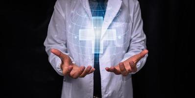 läkare med symbol medicinsk punkt foto