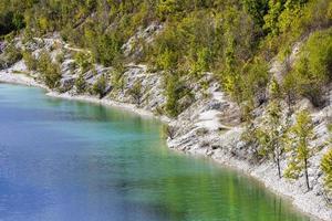 vackra canyon longerich tecklenburger land tyskland turkosvatten. foto