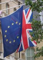 Förenade kungarikets flagga aka union jack och europeiska unionen foto