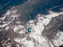 flygfoto över schweiziska alperna foto