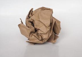 skrynkligt pappersboll foto