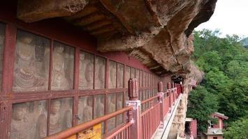 maijishan grotta-tempel komplex korridor i tianshui stad, Gansu Kina foto