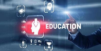 e lärande utbildning internet webinar online kurser koncept foto