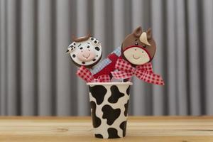 chokladklubbor dekorerade för barns födelsedag foto