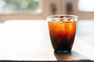 cola i glas. dryck och dryck koncept. mat- och behållartema. foto
