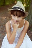 vacker tjej i hatt foto