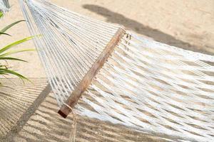 vagga med havsstrandbakgrund foto