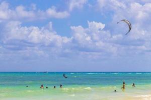 tropisk mexikansk strand 88 punkter esmeralda playa del carmen mexico. foto
