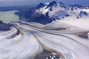 glaciären på väg nerför foto