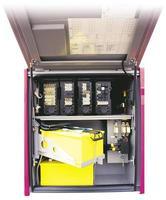intercity bussfack med ackumulator, säkring och elektronisk låda foto
