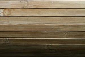persienner av massivt trä av hög kvalitet. foto