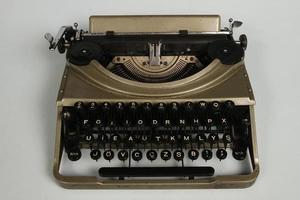 Turkiet, 2021 - bärbar skrivmaskin tillverkad 1952 foto