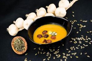 soppa av den orange hokkaido -pumpan cucurbita maxima foto