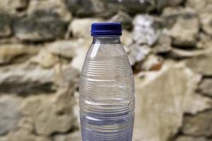 vattenflaska av plast foto