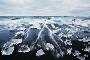 island, jokulsarlon -lagunen, vackert kallt landskap bild av isländska glaciärlagunbukten foto