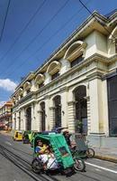 manila, filippinerna, 2021 - tricycle pedicabs i centrala manila foto