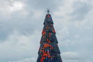 Rio de Janeiro, Brasilien, 01 januari 2015 - dekorerat julgran foto