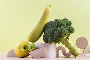 utsökt färsk frukt och grönsaker foto