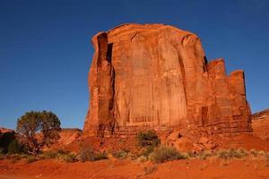 klippformation i monument valley arizona foto