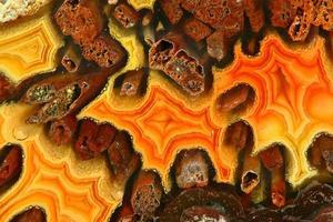 tvärsnitt av naturlig kristallstenformation bakgrund foto