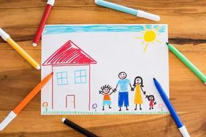 lycklig familj med barn teckning foto