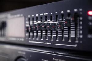 kontroller för grafisk equalizer på ett ljudsystem foto