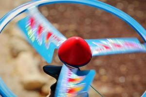 snurrande snabb propellerskivleksak foto