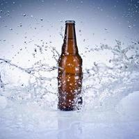 en flaska öl foto