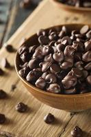 ekologisk mörk chokladchips foto