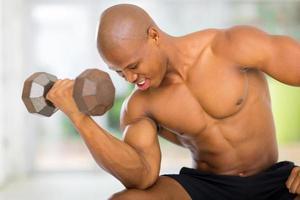 afroamerikansk muskulös kroppsbyggare foto